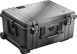 Pelican 1610 Roller Case with Foam (Black)